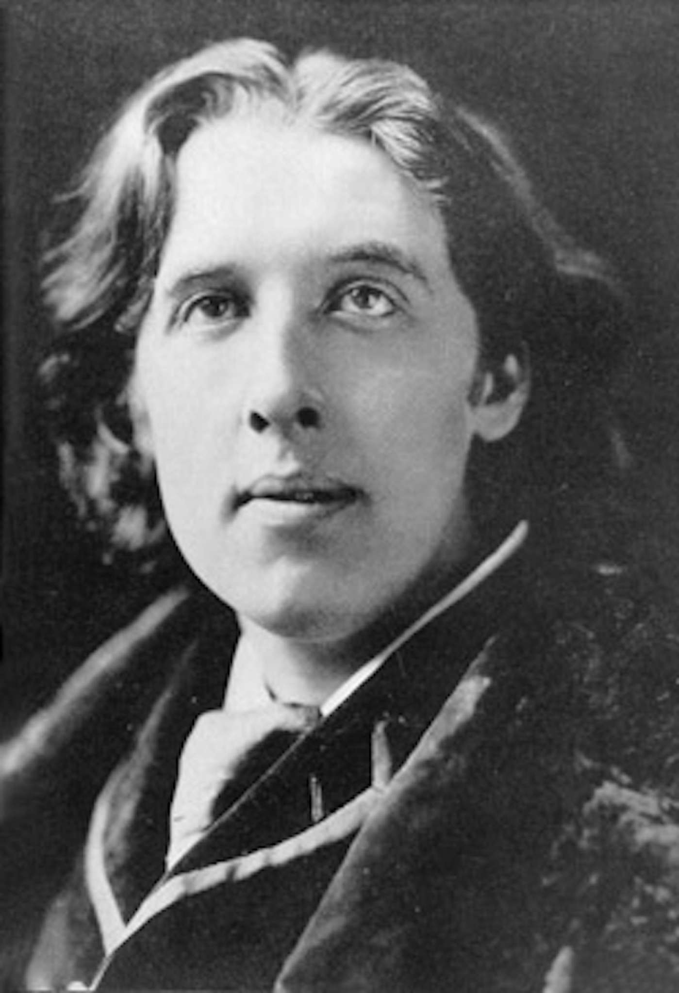 a biography of oscar wilde an irish author poet and playwright Writer and poet oscar wilde full name: oscar wilde nationality: irish  his novel  the picture of dorian gray, his plays, and his imprisonment and early death.