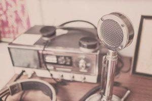 Radio,mike used online media